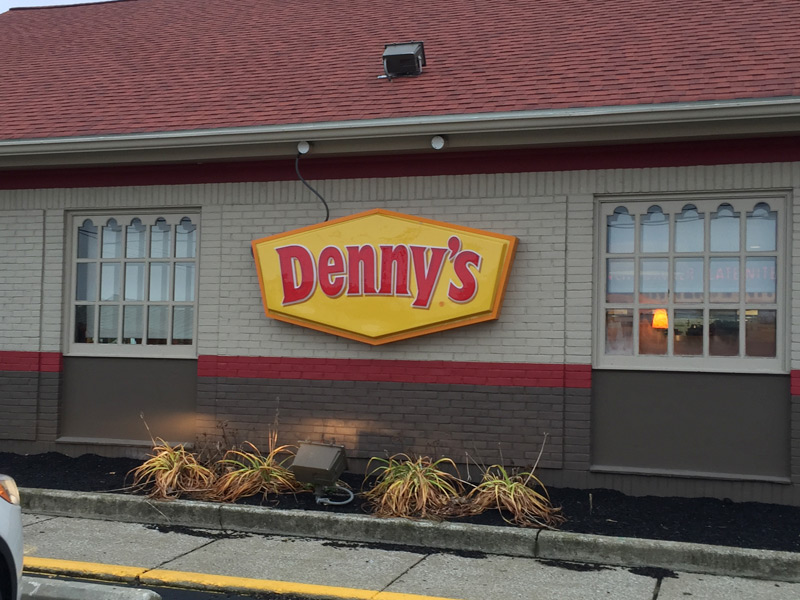 dennys-1