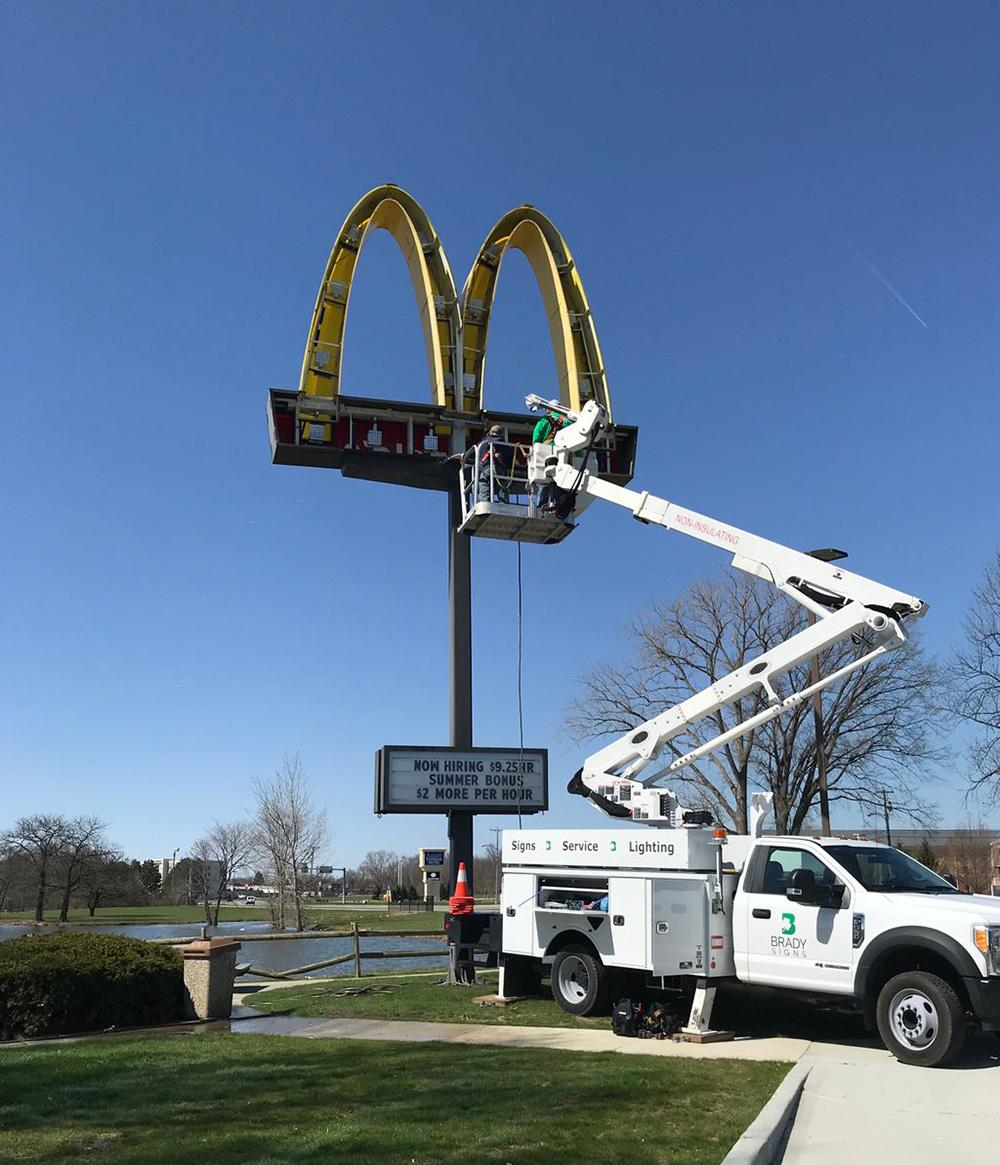sign cleaning maintenance